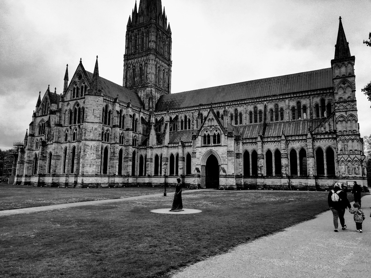 Salisbury Cathedral in black and white